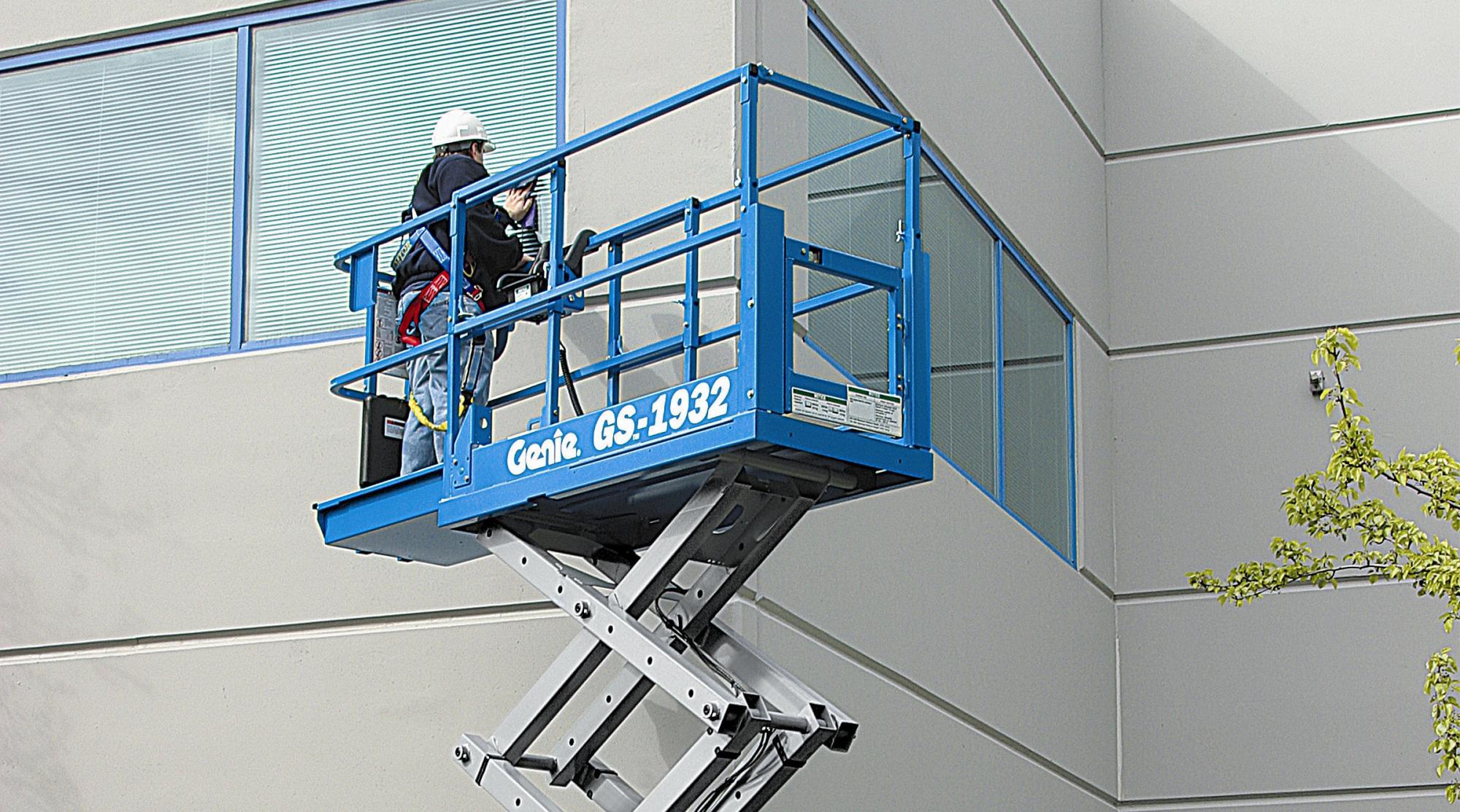 Genie® GS1932 Scissor Lift Access Platform