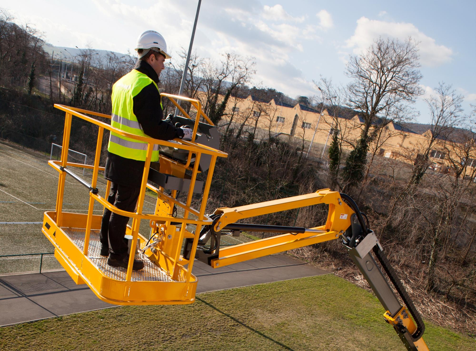 Land Speed Record >> Boom Lifts | Boom Platforms | Cherry Pickers - Working at Height