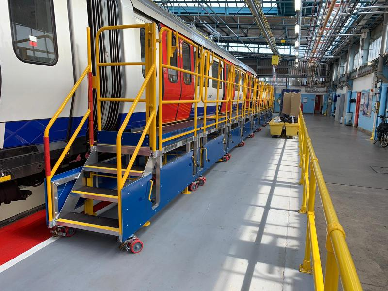 Train Carriage Access Platforms for 4LM