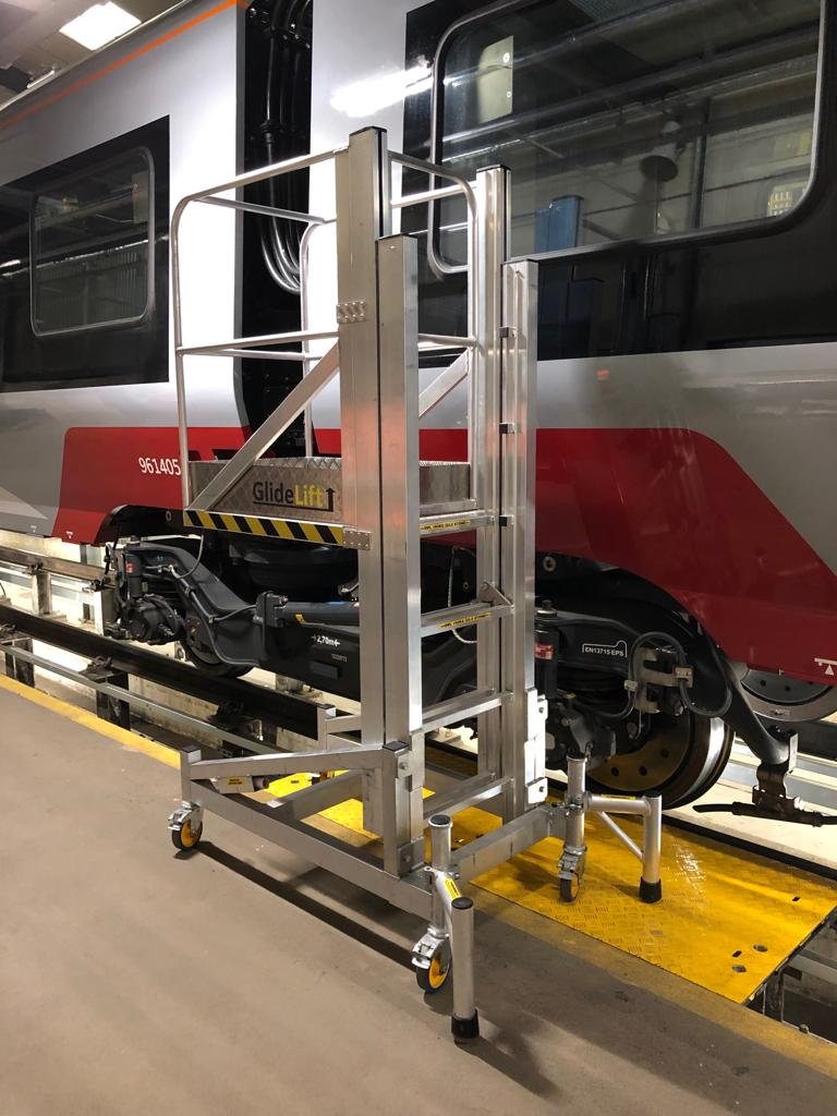 Train Access Platform - Glidelift