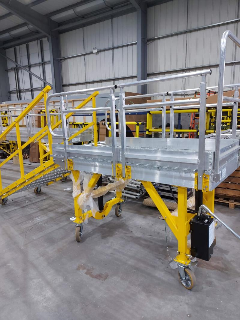 Manual Hydraulic Height Adjustable Vehicle Access Platforms