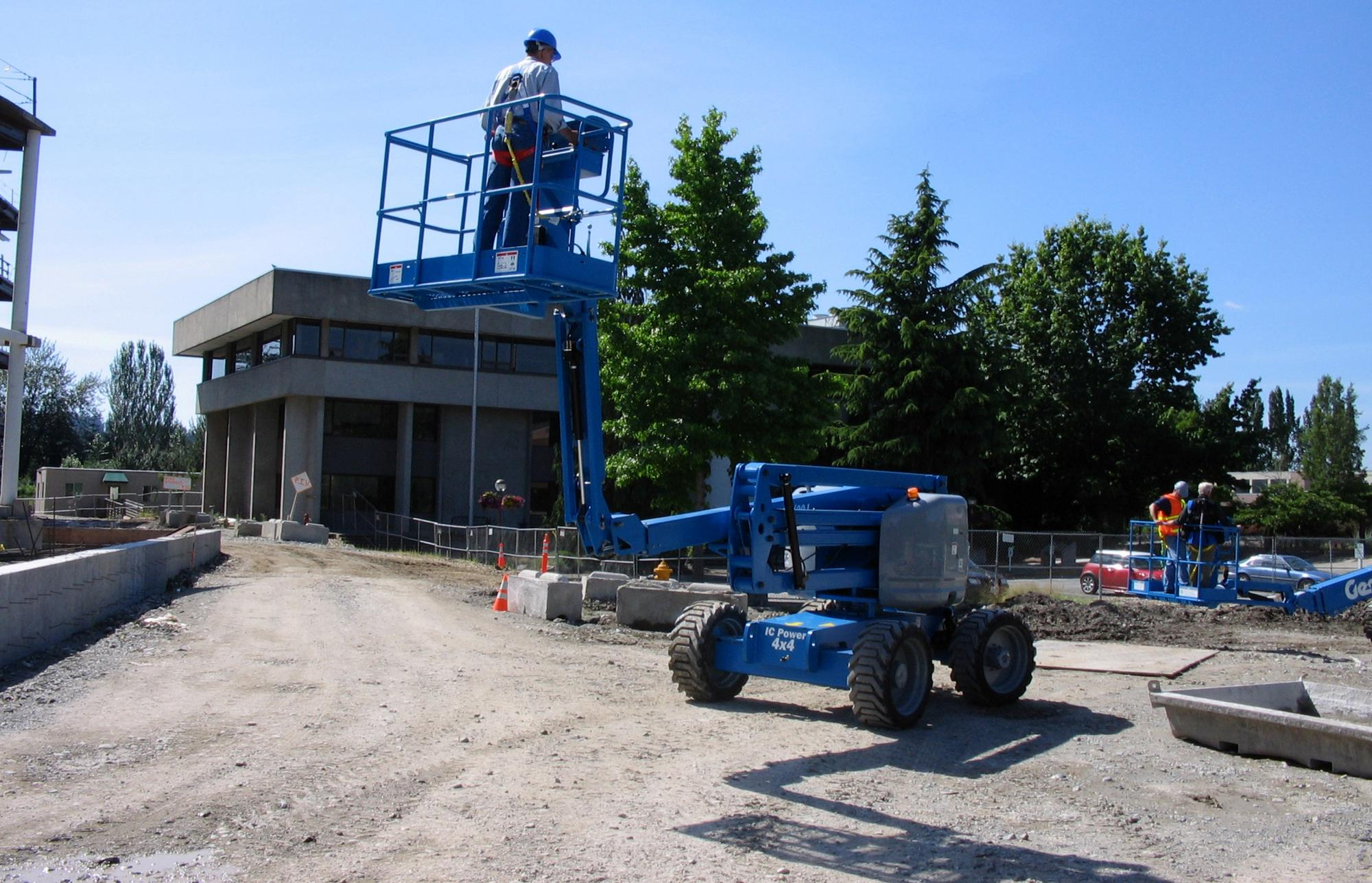 Genie® GENIE Z-51 / 30JRT (JIB & Rough Terrain) Articulated Boom Lift