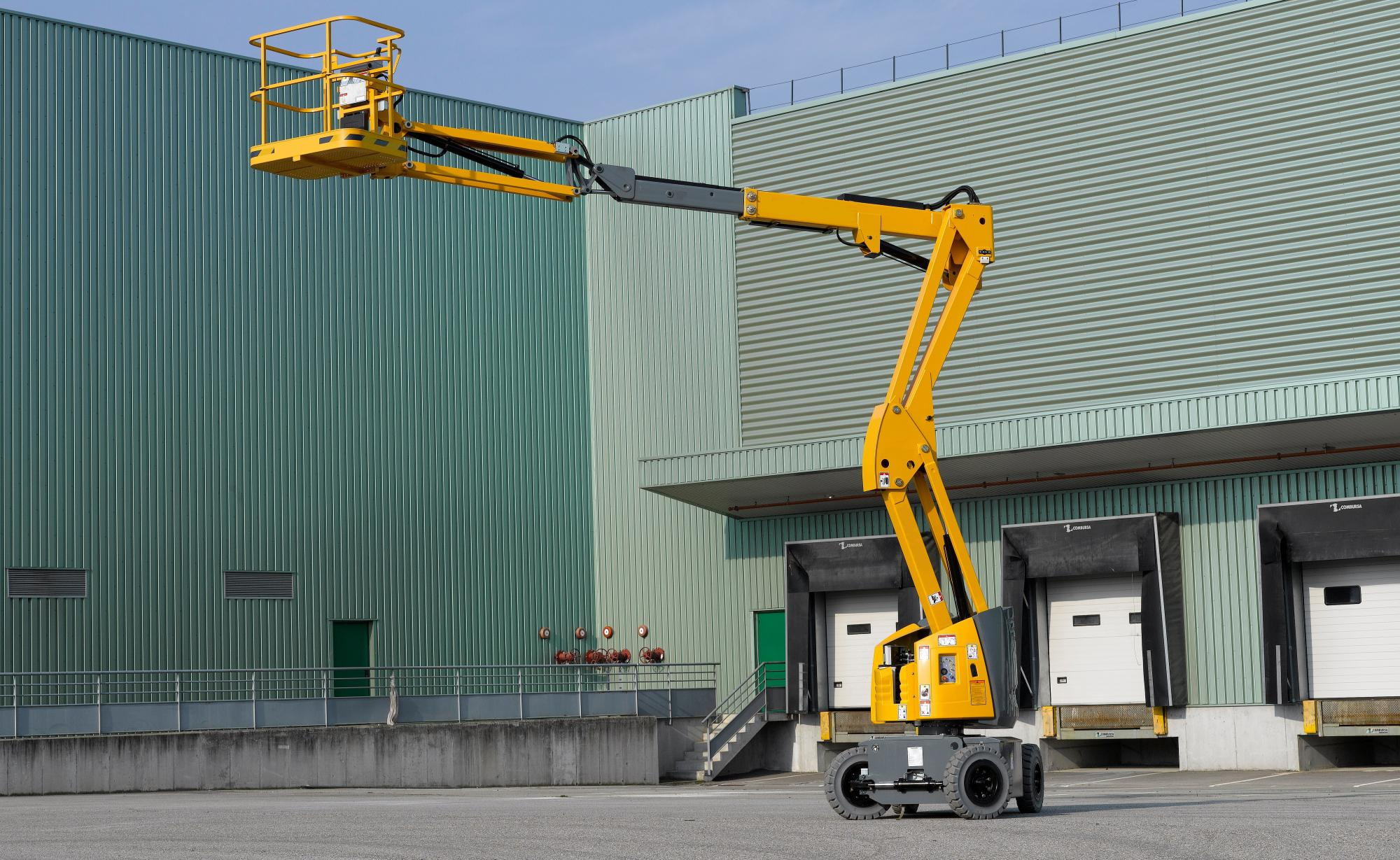 AH-12 EB Articulated Boom Lift