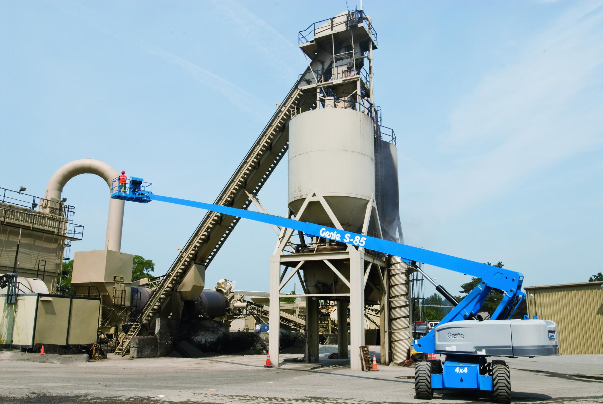 genie174 s80 telescopic boom lift working at height